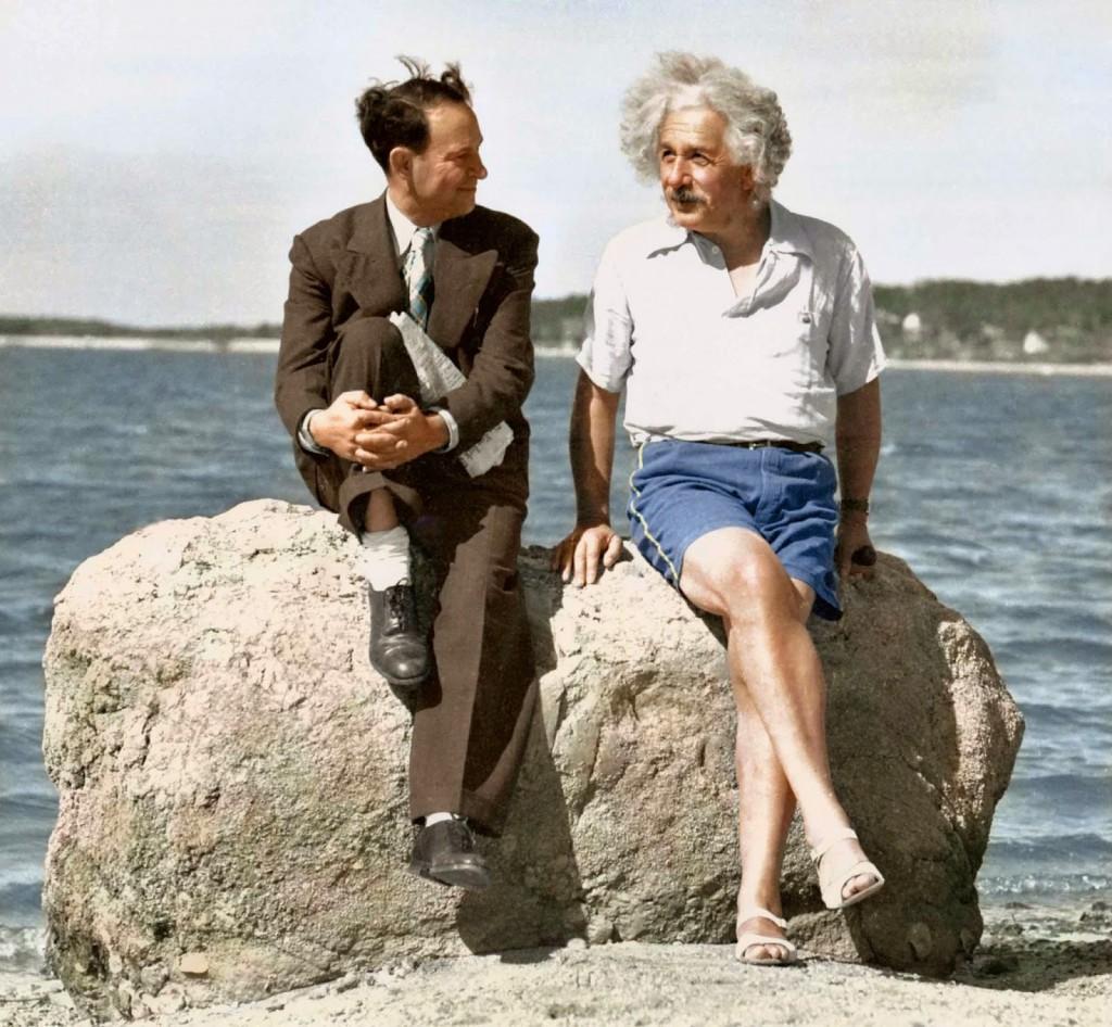Einstein+at+the+beach,+1939